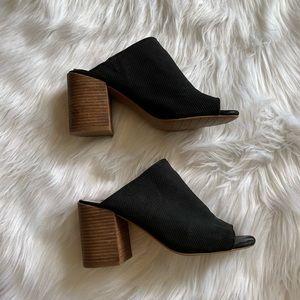 Women's Kenneth Cole Black Karolina3 Mules Size 8